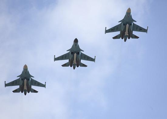 Первая группа бомбардировщиков Су-34 прибыла наавиабазу ЗВО вВоронежской области