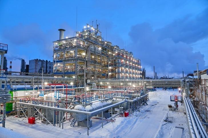 В Омске модернизировали завод по производству фенола и ацетона