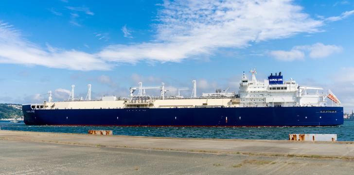 Газовоз ледового класса Arc7 «Федор Литке» в порту Mugardos