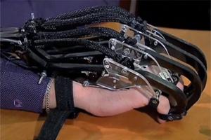 В России создан экзоскелет, которым можно управлять силой мысли
