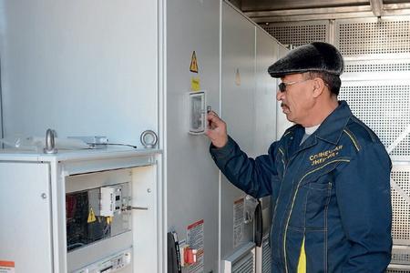 Адылбек Балабаев — один из пяти сотрудников на полностью автоматизированной станции