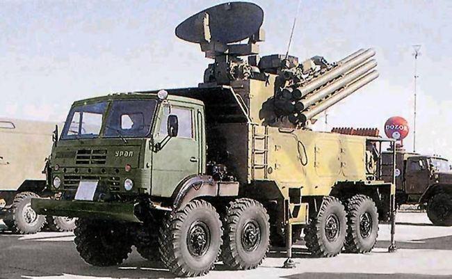 "Прототип ЗРПК ""Панцирь-С1"" на шасси Урал-5323-20, выставка МАКС-1995, август 1995 г. (http://liveguns.ru/)."