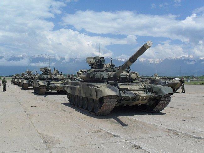 Т-90А на российской военной базе в Гудауте, Абхазия.