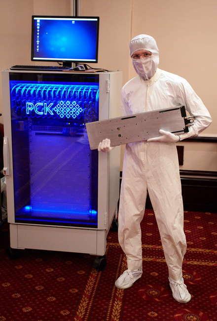 """Решение """"РСК Торнадо"""" = жидкостное охлаждение + Intel Xeon E5-2690 + серверные платы Intel"""