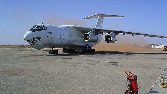 Члены экипажа Ил-76, задержанного в Таиланде, сообщили, что собирались оставить часть груза в Шри-Ланке и на Ближнем...