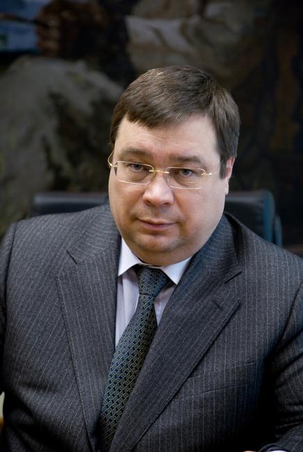"""Генеральный <a href=""""http://buhgalterskiy_slovar.academic.ru/2715/%D0%94%D0%98%D0%A0%D0%95%D0%9A%D0%A2%D0%9E%D0%A0"""">директор</a> <a href=""""http://commercial_electric_power.academic.ru/2708/%D0%9E%D0%90%D0%9E"""">ОАО</a> """"Электрозавод"""" Л.В. Макаревич"""