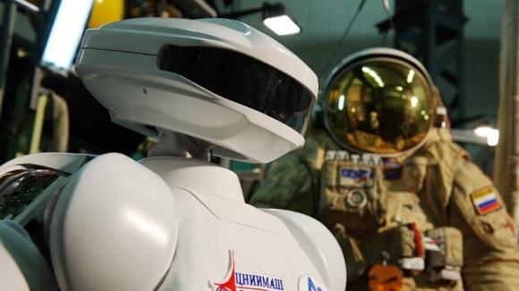 """Робот SAR-400. Фотография предоставлена пресс-службой НПО """"Андроидная техника"""""""