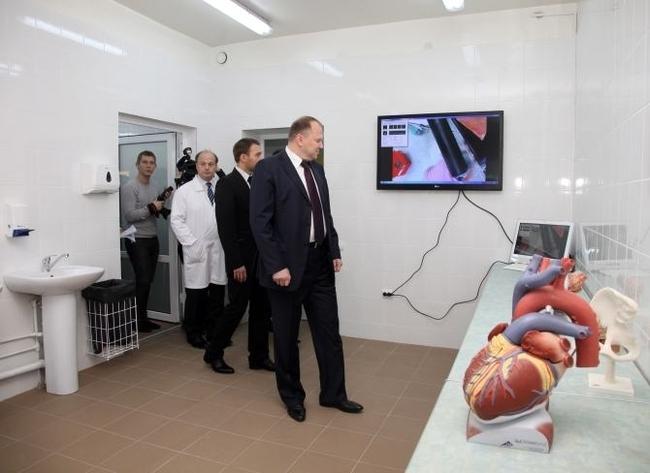 http://sdelanounas.ru/images/img/gubernator.gov39.ru/x400_gallery_gubernator_foto_soveshianiya_11_28_thumb-photo_big2_img-8901.jpg.jpeg