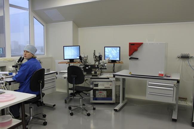 полуавтоматическое оборудование для посадки кристалла в корпус