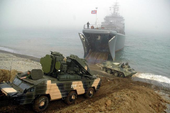 «Российская армия, под покровом тумана, высаживается в Лапландии»