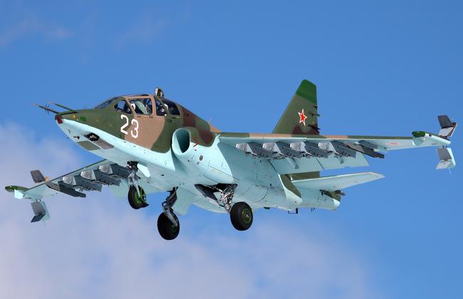 """Компания  """"Сухой """" планирует оснастить штурмовики Су-25 аппаратурой и оборудованием для ведения боевых действий в..."""