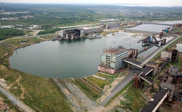 План по добыче на затапливаемом руднике на 2007 год был установлен в размере 1,2 млн. т; потери предполагается...