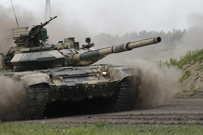 Также Т-90С оснащен системой ведения...