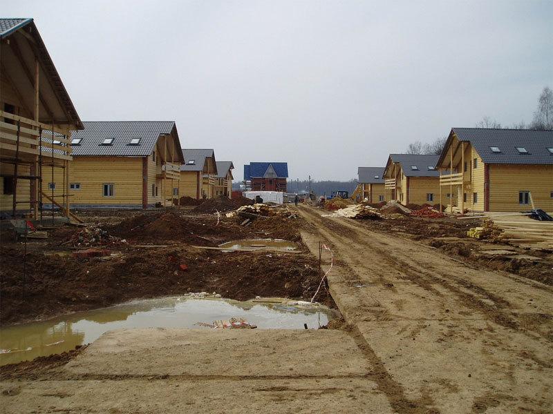 На окраине города Урень заложены две улицы Сиреневая и Губернская, где...