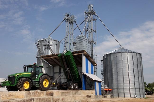 В Хакасии строят новый зерносушильный комплекс