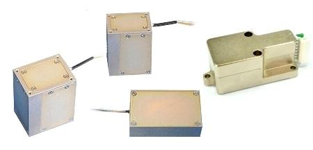 Кварцевые вибрационные гироскопы представляют собой одно-, двух- и трехосные аналоговые датчики измерения угловой скорости, в которых применяется технология, основанная на эффекте Кориолиса