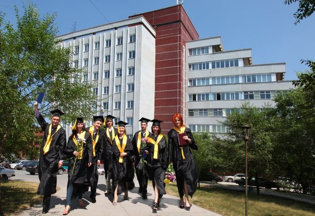 вручение дипломов в НГТУ (2011 г.)