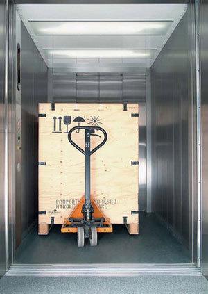 ...перевозки грузов, могут исполняться как с внутренним управлением из...